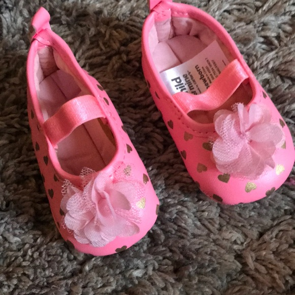 Carter's Other - Newborn pink crib shoes 💜